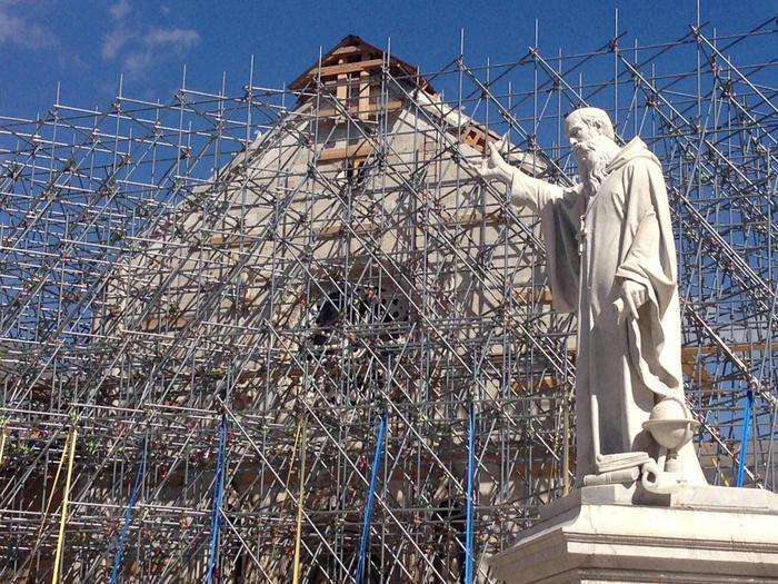 La Basilica di San Benedetto a Norcia in una immagine del 25 aprile 2017. ANSA/MARCO PISCOLLA